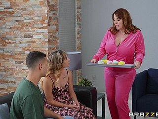 Chubby milf Maggie Unfledged gets will not hear of pussy pounded from ignore